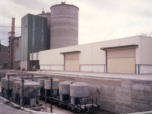 Bagging and palletizing facility, Zaragoza, Spain.