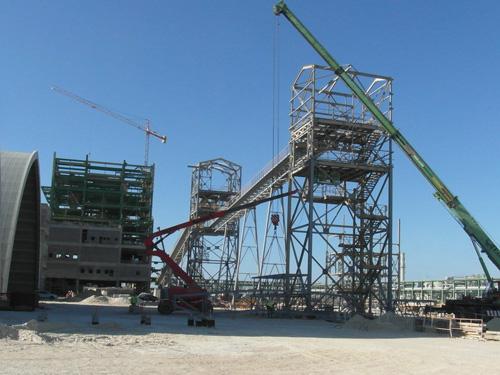 Conjunto de cintas transportadoras  y torres de transferencia en Planta Integrada de Fertilizantes (Proyecto ODI)