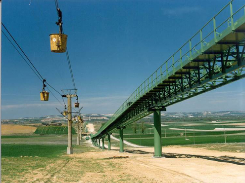 Instalación transporte de crudo de cantera a prehomogenización, Hontoria, Asturias, España.