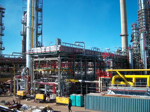Reconstrucción unidad 100 de crudo 2 en la refinería de Puertollano