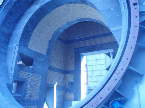 Refractory repairing works in the furnace of Buñol plant