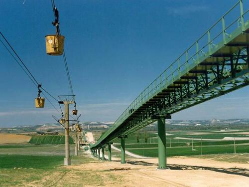 Instalación transporte de crudo de cantera a prehomogenización, Hontoria, España